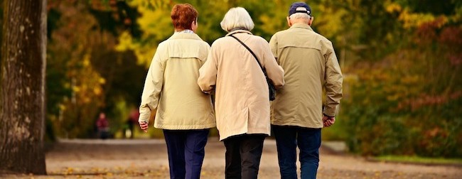 Caminar es uno de los mejores ejercicios contra el estreñimiento